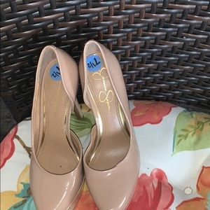 An pair shoes for women's